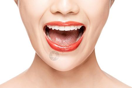 女性开口笑嘴唇特写图片