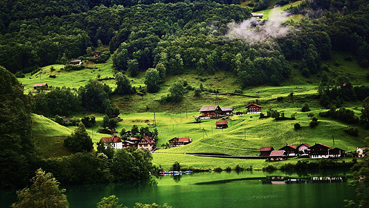瑞士格林德瓦阿尔卑斯山童话小镇图片