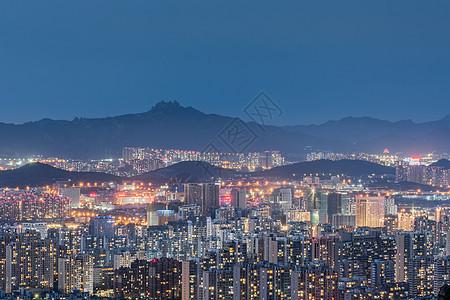 夜晚青岛美丽的城市万家灯火夜景图片