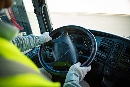 货车司机驾驶卡车图片