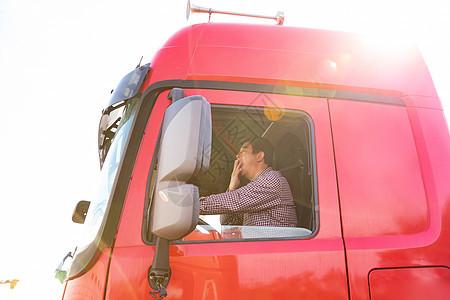 货车司机驾驶疲劳图片