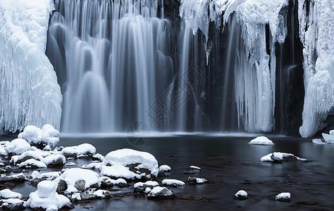 吉林龙湾群吊水壶景区冰雪瀑布风景图片