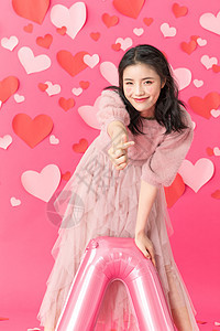 抱气球的情人节美女图片