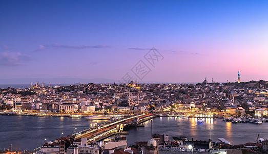 土耳其伊斯坦布尔城市夜景全景图片