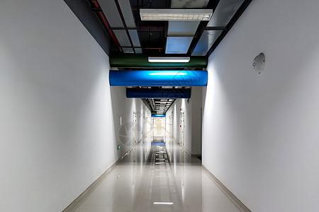 运营商IDC机房走廊图片