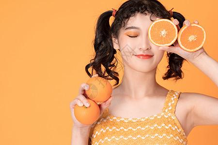 甜美少女与橙子图片