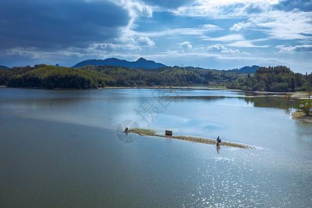 航拍安徽奇墅湖垂钓图片