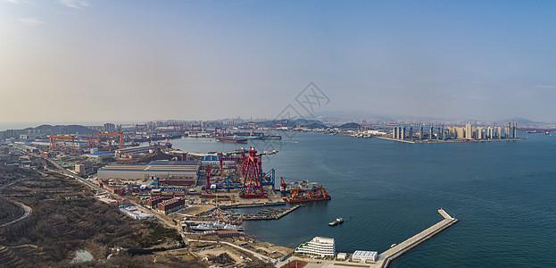 航拍青岛前湾港区图片