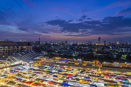 泰国首都曼谷夜市拉查达夜市图片
