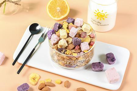 早餐水果酸奶块图片