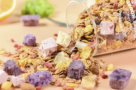 五谷水果代餐酸奶块图片