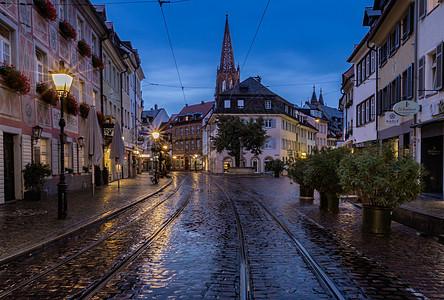 德国城市雷根斯堡老城夜景图片