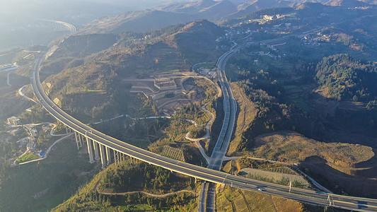 贵州山区大通道水兴高速图片