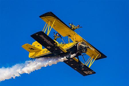 极限运动飞机特技飞行表演图片