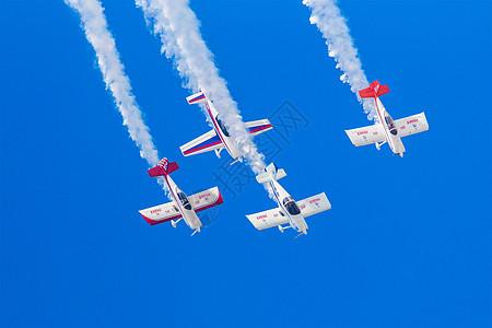 极限飞机空中表演图片