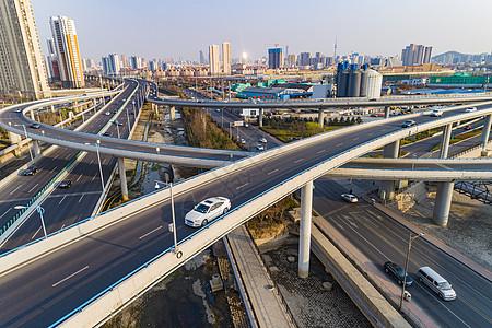 青岛新冠高架城市立交桥繁忙的城市交通图片