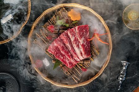 日本料理牛肉烤肉图片