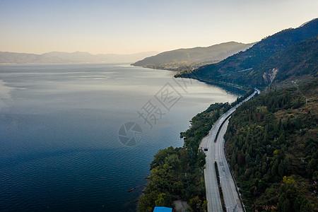 云南抚仙湖沿湖公路图片