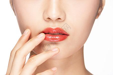 女性嘴巴红唇特写图片