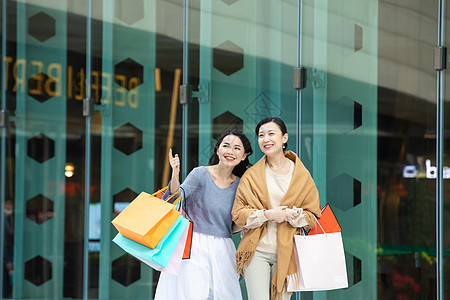 母女逛街购物图片