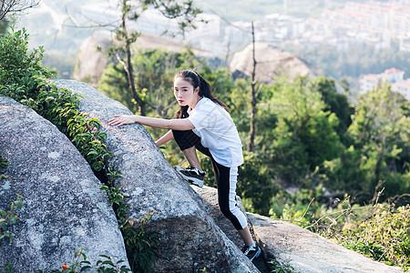 攀岩美女人像图片