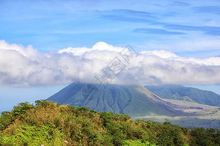 马哈武火山图片
