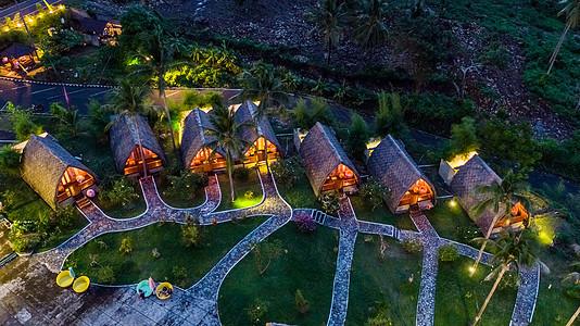 印尼美娜多度假村夜景航拍图片