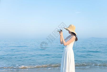 海边拍照的美女图片