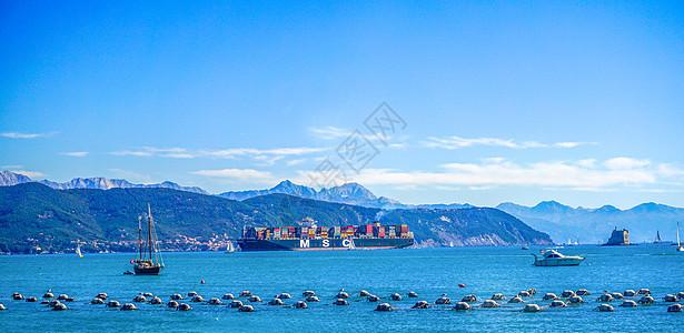 海上集装箱航运轮船图片
