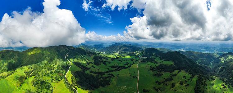 云南昆明寻甸高山草甸牧场航拍自然风光图片