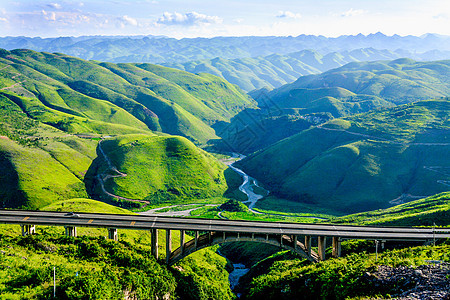 贵州黔东南高速公路自然风光图片