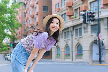 夏日街拍活力少女图片