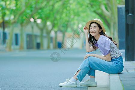 青春美女夏日街拍图片