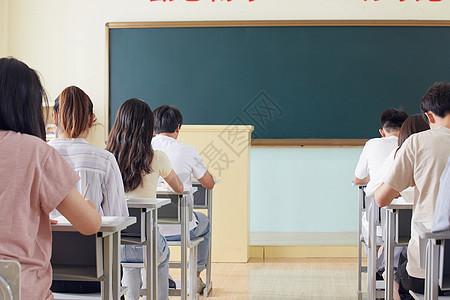 学生考试背影图片