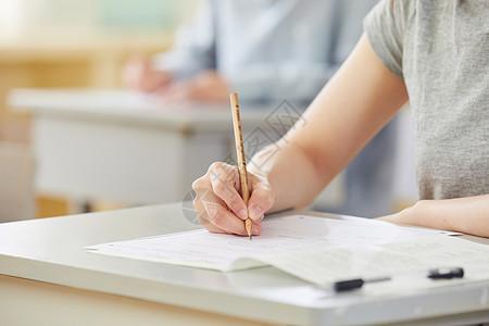 学生考试答题特写图片