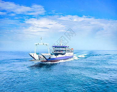 韩国海上一艘轮船图片