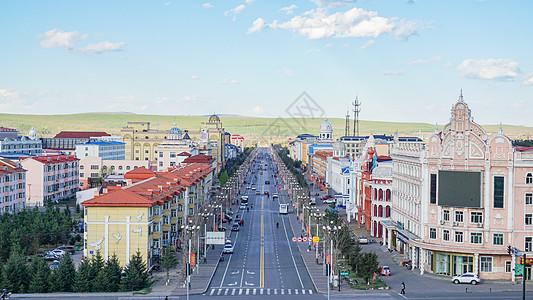 夏天黑龙江省大兴安岭漠河县城街道上的俄罗斯风格建筑图片