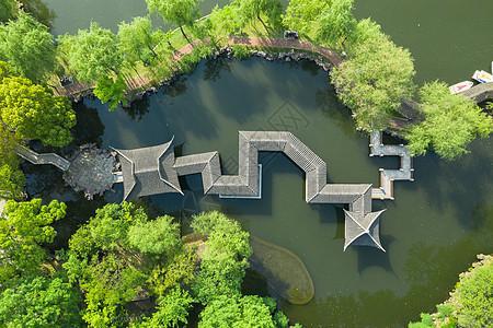 俯拍苏州著名园林拙政园图片