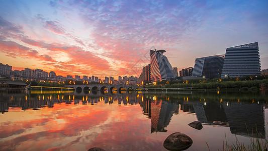 西安曲江池日出图片