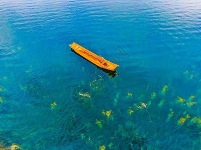 泸沽湖航拍小船图片