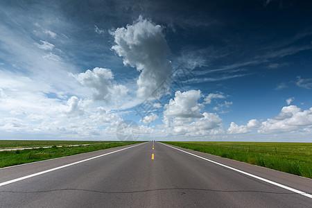 西藏公路风光图片