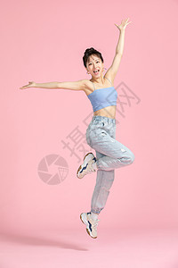 活力青春美女跳跃图片