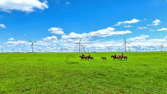 内蒙古辉腾锡勒草原牧场骑马图片
