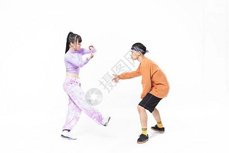 年轻街舞男女battle图片