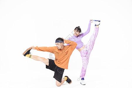 年轻街舞男女跳舞图片