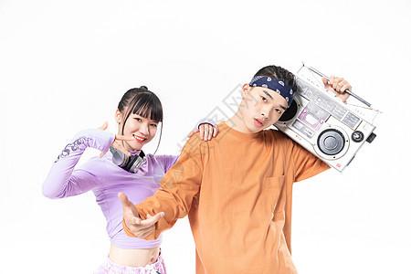 年轻街舞男女酷炫姿势图片