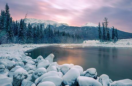 黑龙江库尔滨冬天风景图片