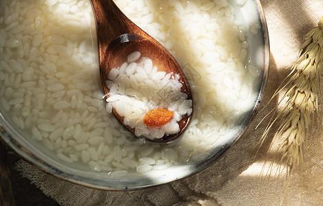 阳光洒落夏季大暑饮品酸甜米糟米酒醪糟图片