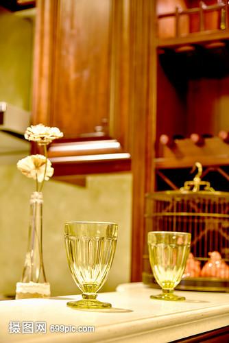 现代简约简欧式家装家居厨房客厅家具玻璃柜子家具制造赖氏有限公司图片