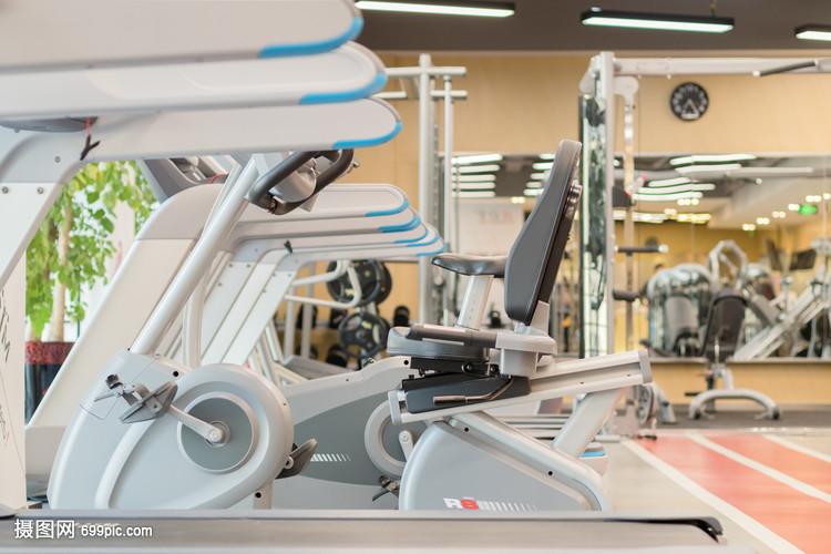 健身房健身器材特写